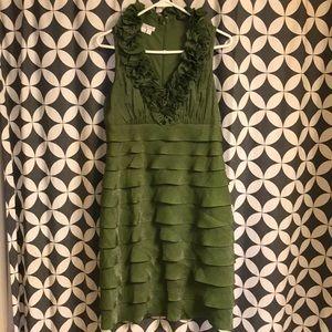 🧛🏻♀️Green very different @ unusual ruffle dress